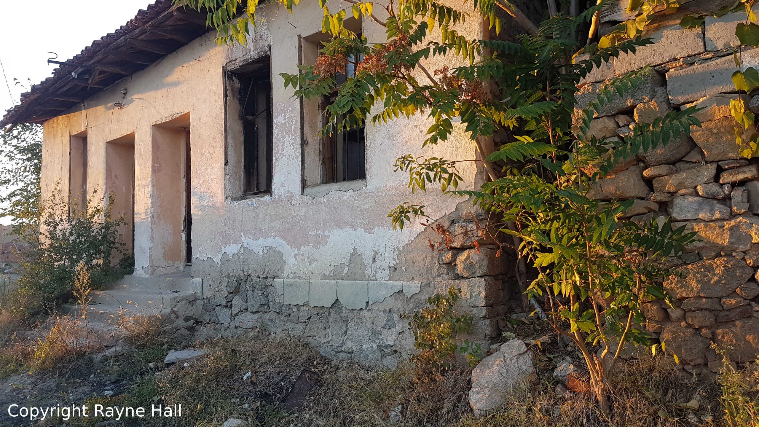 Abandoned Homes in Bulgaria: Empty or Not?